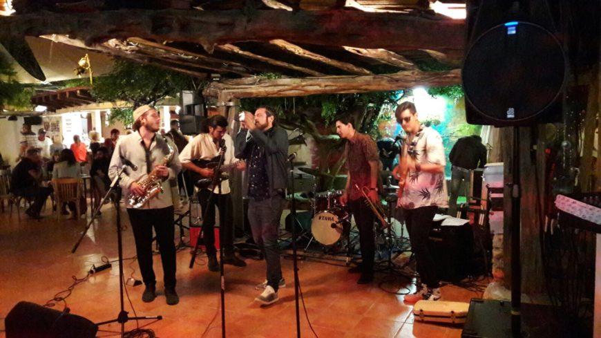 Eilandtransfer-Ibiza.com Las Dalias muziek